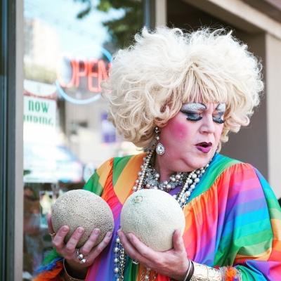 "@westendbia: ""What do you think of them melons? @KinsFarmMarket Photo:"