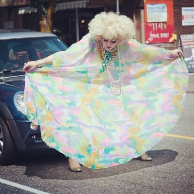 "@westendbia: ""Attention Motorists: Watch for Queens.  Photo: @belleancell #WeAmaze"