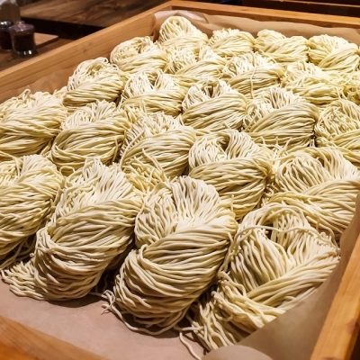 "@westendbia: ""Everyday @marutamaramen make their noodles fresh in a dedicated"