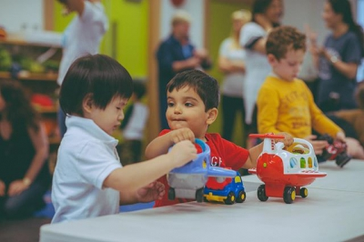 """@westendbia: """"At the @gordonnhouse's Creative Playtime, there's plenty of toys"""